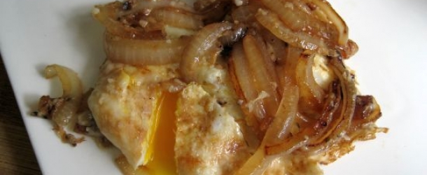 Onion and Fried Eggs with Parmesan